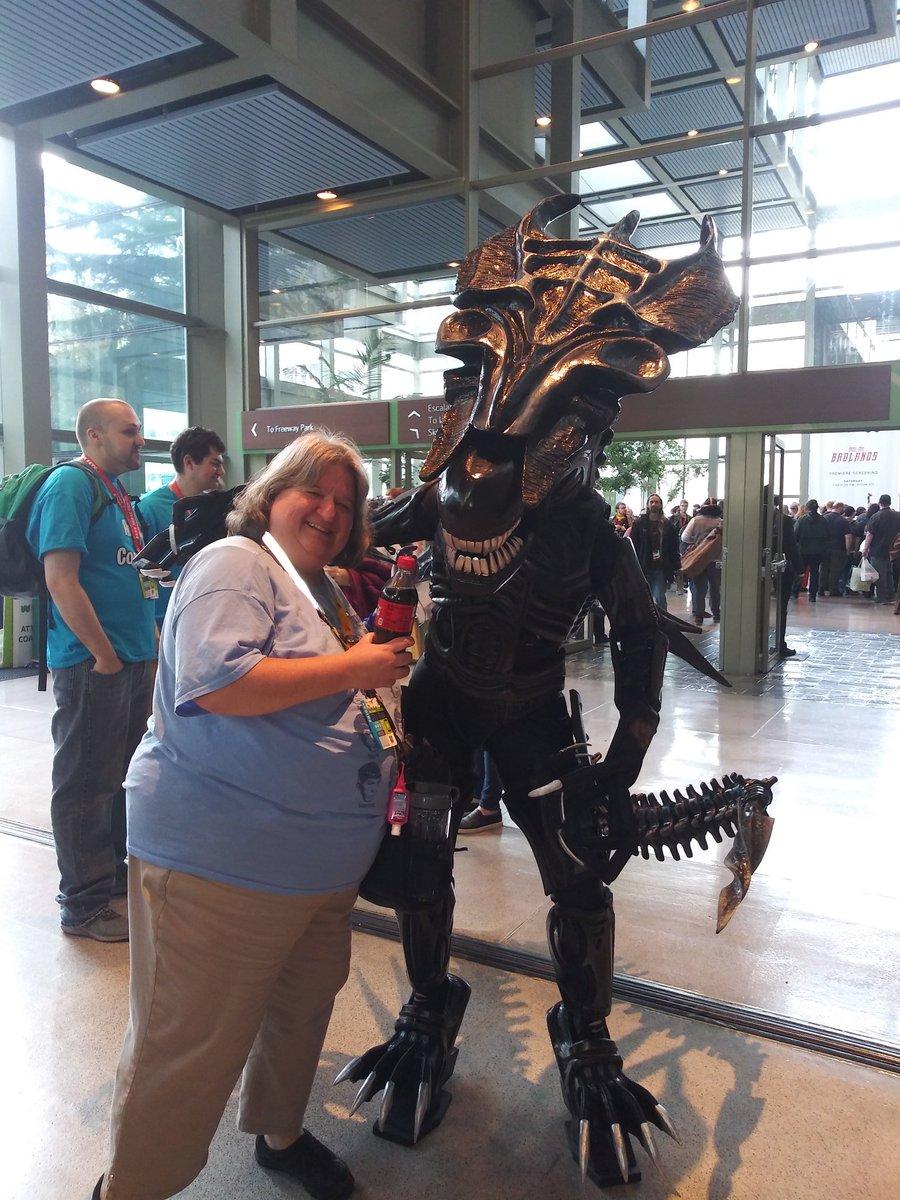 #Alien40th. #eccc making new friends today!!! <br>http://pic.twitter.com/vnjaZ89Trh
