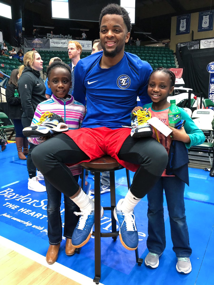 ALL. THE. HEART. EYES.   These twin little girls are all the way from Kenya and are going home with @_dmacon4's shoes.   #ThisIsWhyWePlay <br>http://pic.twitter.com/fhWIle98u0