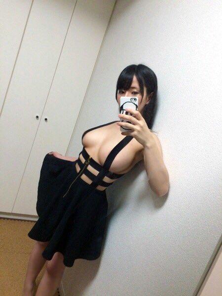 グラビアアイドル雨宮留菜のTwitter自撮りエロ画像24