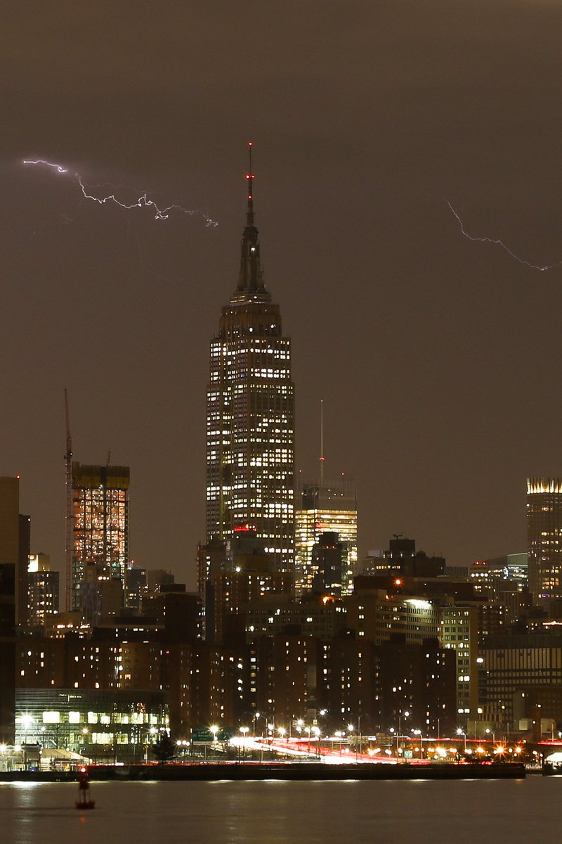 Tonight's lightning raining down on the Empire State Building #NYC