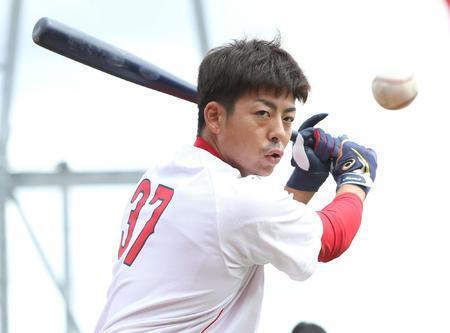 カープがんばれ速報's photo on 本塁踏み