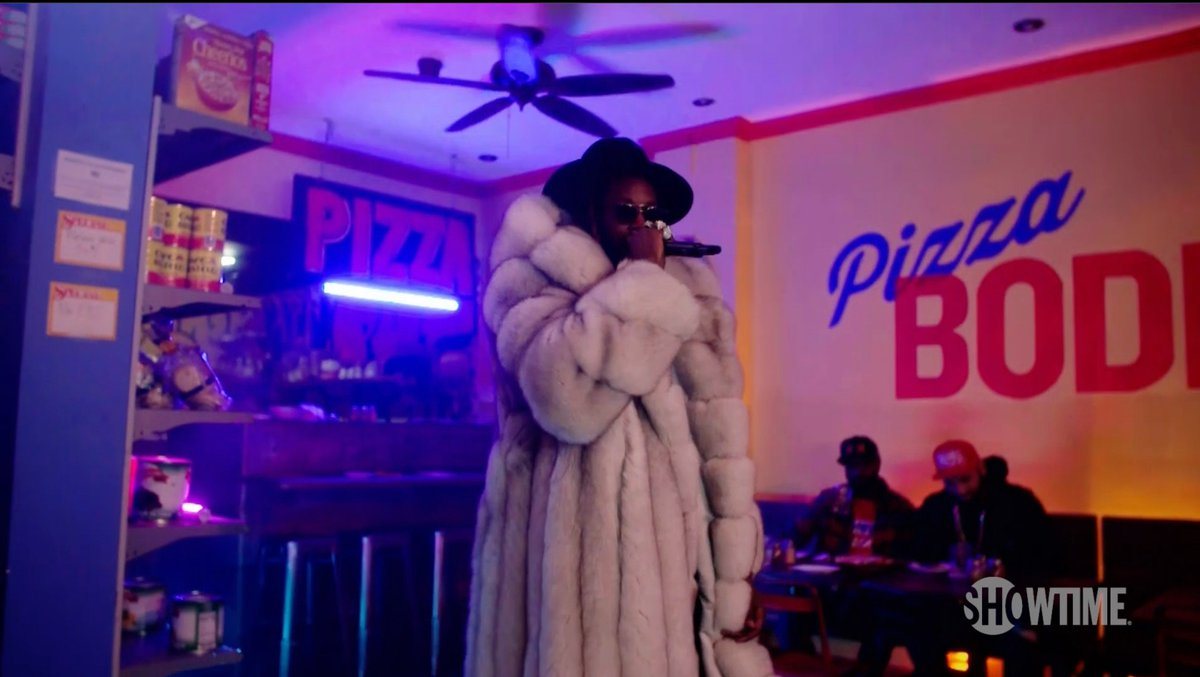 """.@2chainz joined us at Bodega Pizza to perform """"Money in the Way"""" off his new album, """"Rap or Go to the League.""""  #DESUSandMERO"""