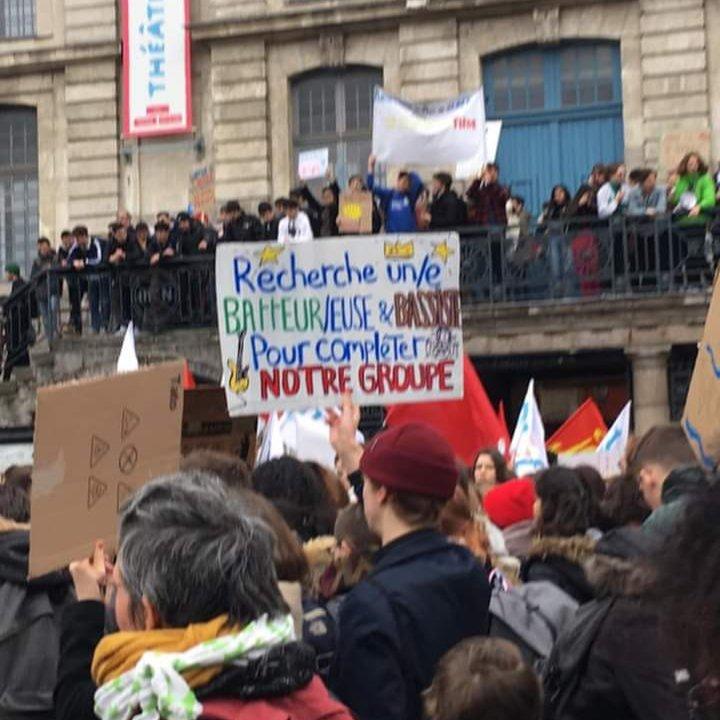 𝓓𝓲𝓭𝓲𝓮𝓻 𝓣𝓮𝓼𝓒𝓱𝓲𝓪ñ𝓽's photo on #MarchePourLeClimat