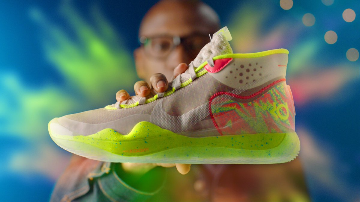 b4e9ab720dc FIRST LOOK  Nike KD 12 Hands-ON Sneaker Review WATCH  https   www.youtube.com watch v soFPrhTLYPY  …pic.twitter.com R7EpB9Ju93