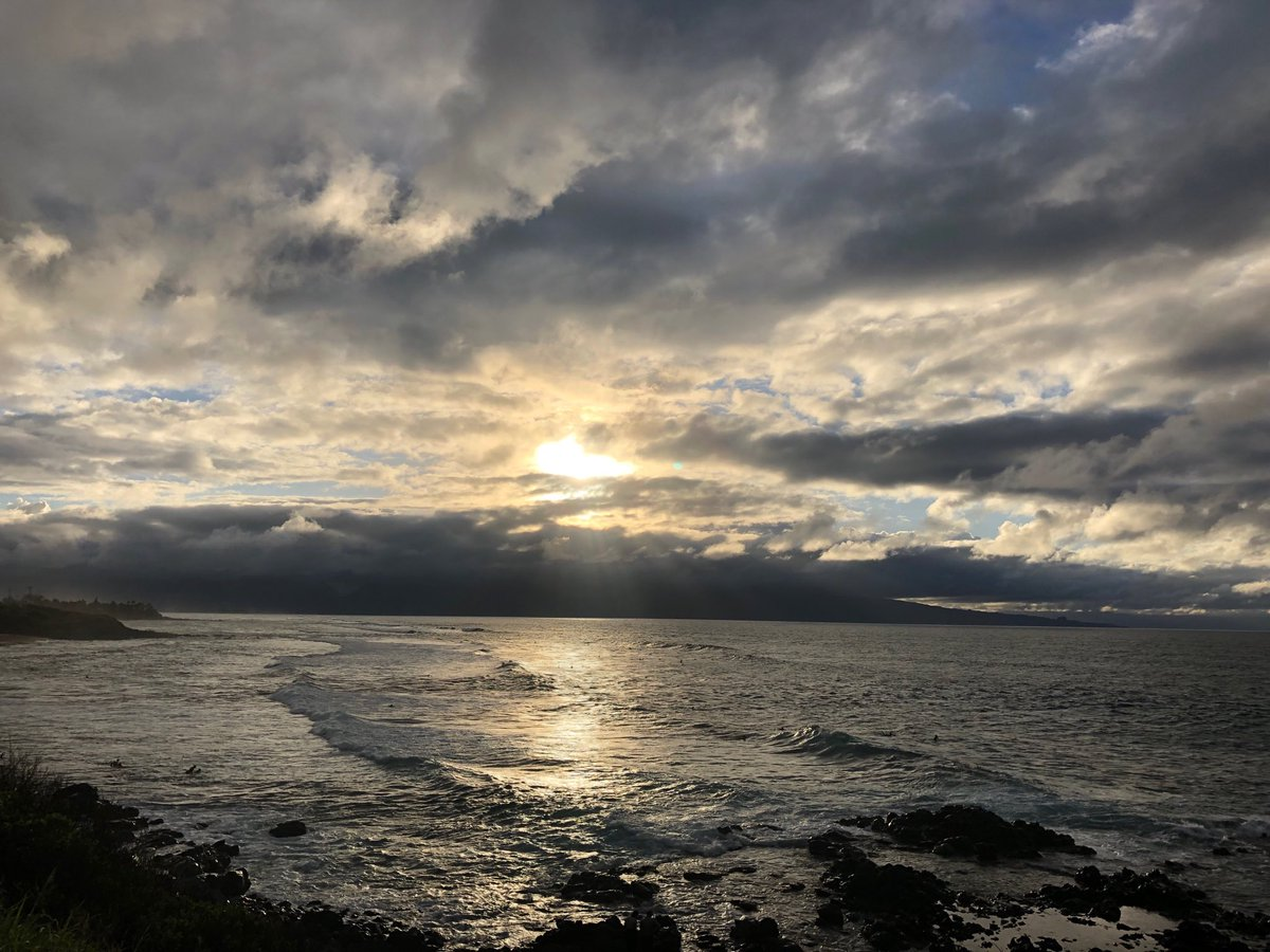 test Twitter Media - Breezy looking out from the North Shore to the west Maui Mountains. #cmweather #Maui #surf #hookipa #northshore https://t.co/BDUozDGQpr