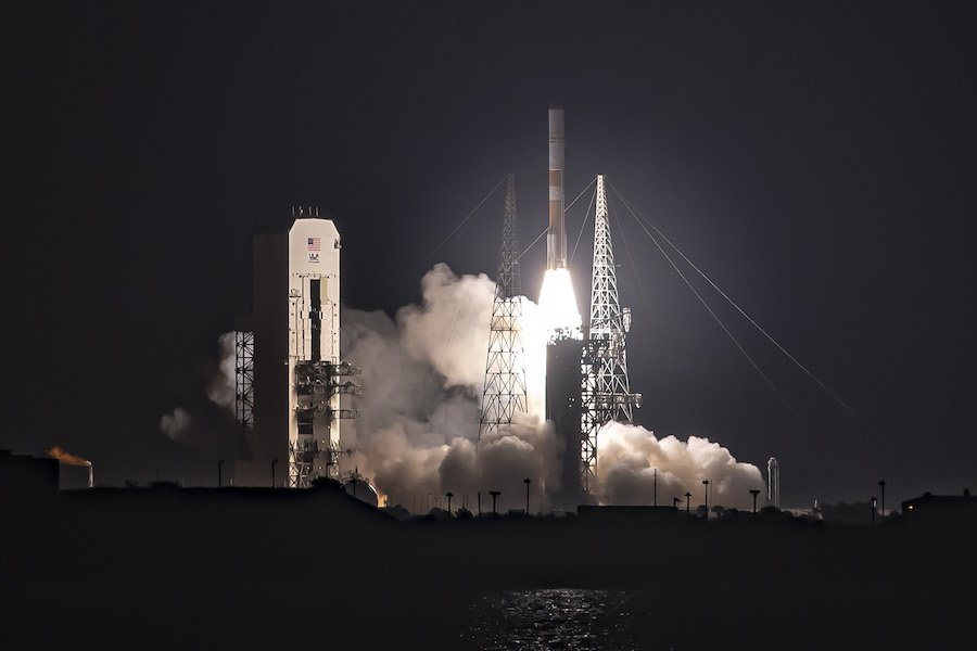 Using a version of its Delta 4 rocket family nearing retirement, United Launch Alliance successfully delivered the WGS 10 broadband communications satellite to orbit for the US Air Force on Friday night. FULL STORY: https://spaceflightnow.com/2019/03/16/delta-4-rocket-launches-air-forces-10th-wgs-broadband-satellite/…