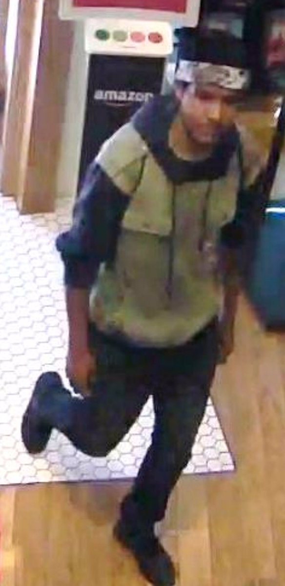 """Arson/Assault With A Deadly Weapon suspect from the Century City Mall incident. Male, possibly Hispanic or Asian, 20-25 years old, 5'8"""" to 5'10"""", 130-150 lbs. He is to be considered armed &amp; dangerous. If seen, do not approach &amp; call 911. Any info contact Major Crimes 213-486-7260 <br>http://pic.twitter.com/J6ydu3TsVG"""