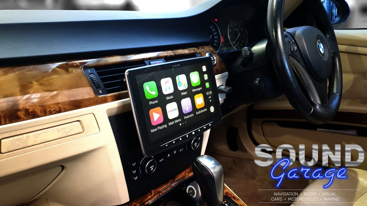 SoundQld 3 Series BMW with an Alpine Halo9 iLX-F309E Apple