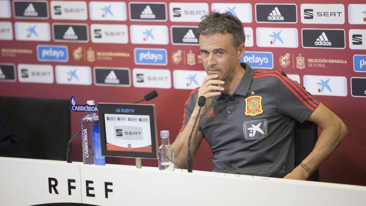 AS English's photo on Luis Enrique