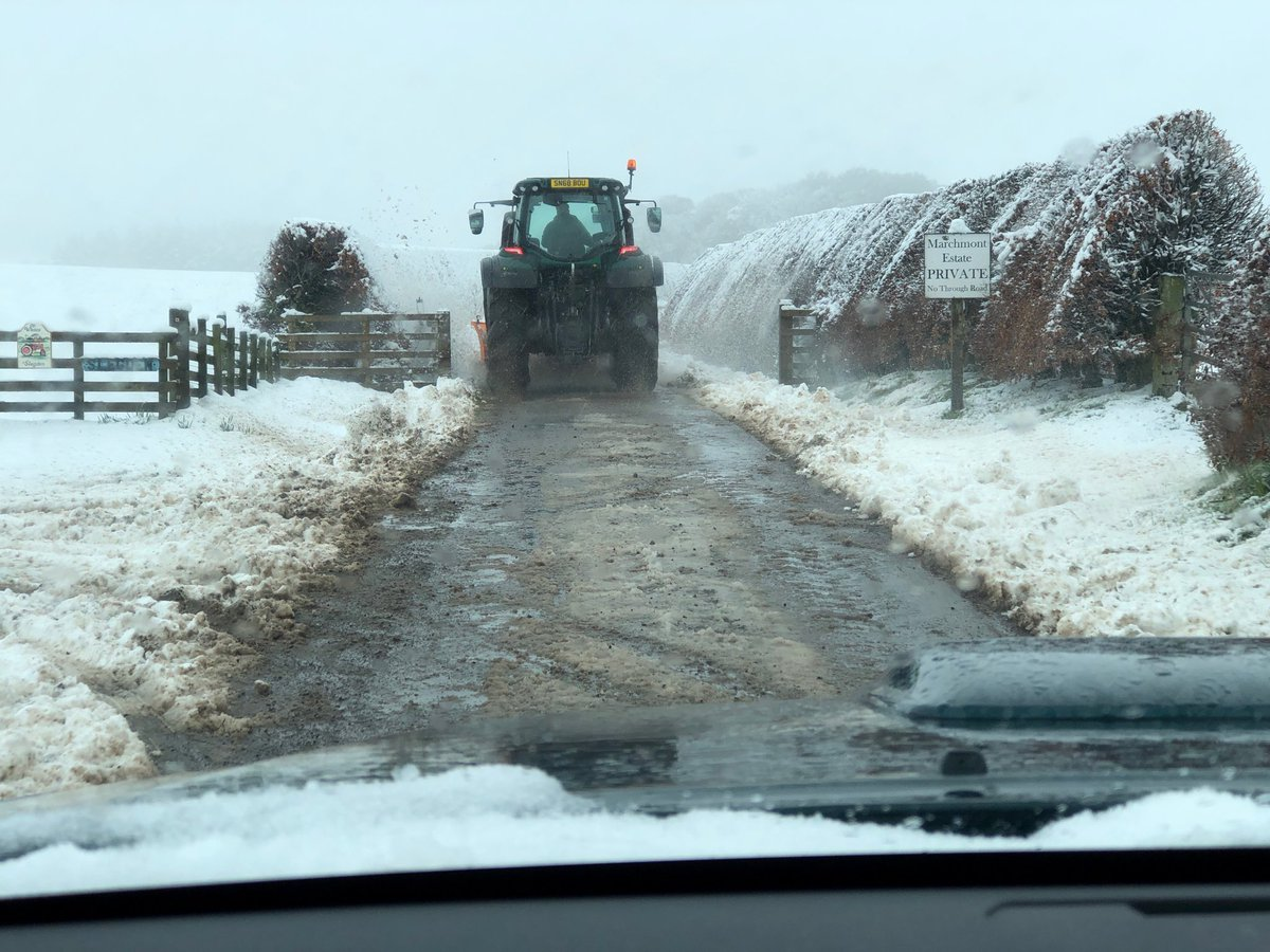 Our snow plough has cleared the 3m long drive from Greenlaw to Marchmont House and so today's special ⁦@bordersartfair⁩ guided tour is ON! #SnowMageddon #borders #takecareontheroads<br>http://pic.twitter.com/3r0kWFvd8x