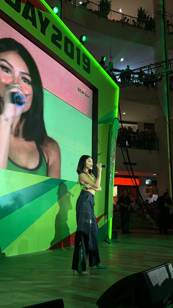 Up next is our #DewBida Nadine Lustre! Tuloy-tuloy ang thrills natin sa #DewDay! <br>http://pic.twitter.com/5c51MKxSYz