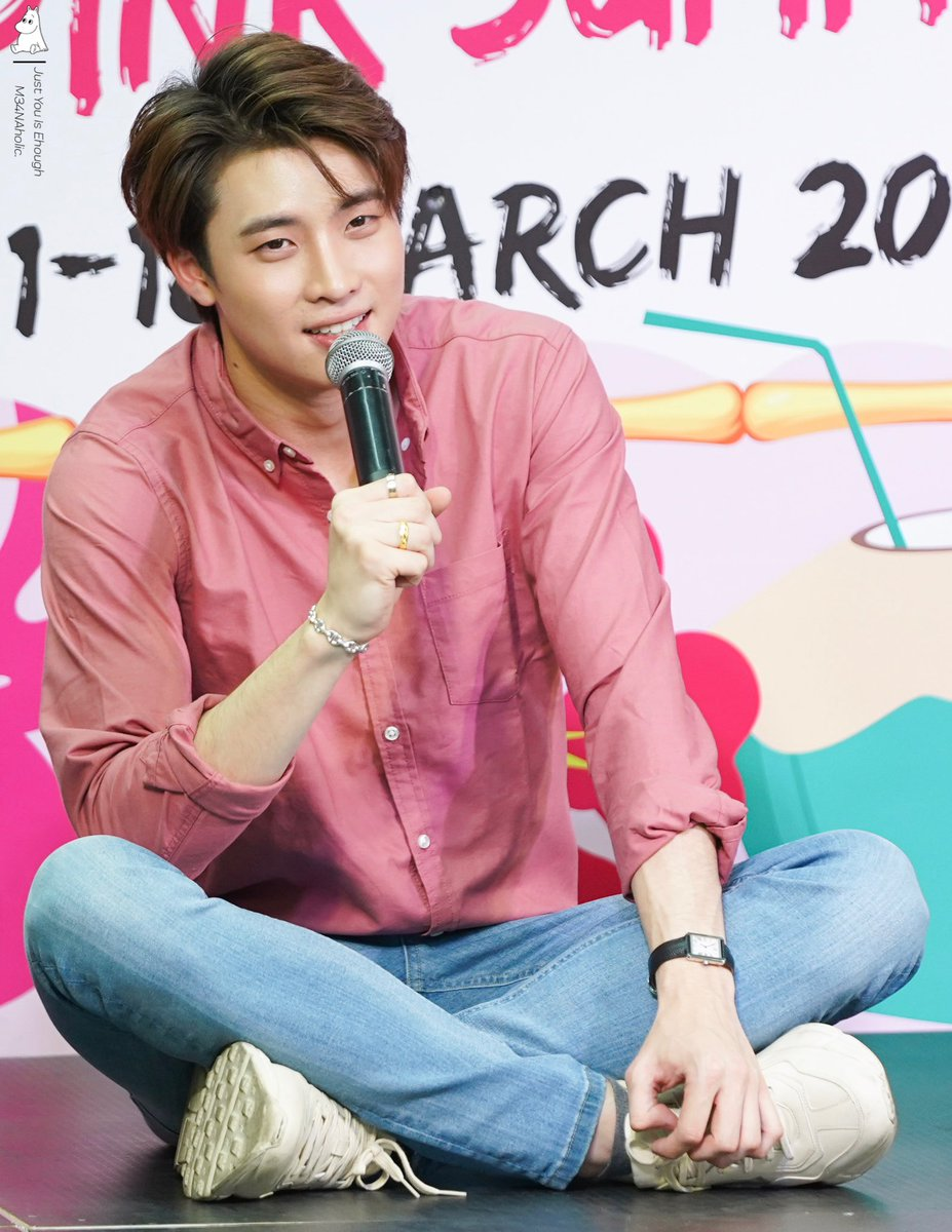 You are the love that came without warning @m34nismind   #MeanPhiravich #ผู้ชายคนที่101 #2WishPinkmarket #CenterpointSiamSquare<br>http://pic.twitter.com/N07JSMUCUE