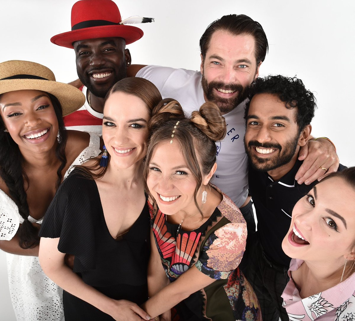 Good morning to everyone but especially the people fighting the good fight for #ODAAT and #WynonnaEarp  #SaveODAAT #FightForWynonna<br>http://pic.twitter.com/ICanl1KnFT