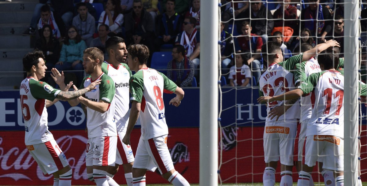 Chilenos x el Mundo's photo on El Huesca