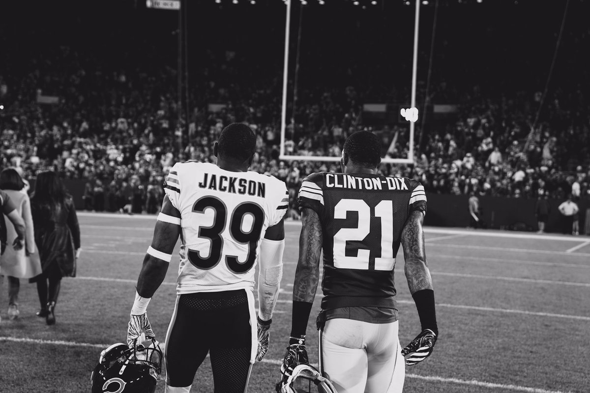 """He talked to me in this process about the culture in Chicago and I bought in. I was on for the ride, and I'm excited about it.""  @haha_cd6 shares how his bond with @EJackson_4 helped influence his decision to join #DaBears. :  http:// chgobrs.com/2TDezy4  &nbsp;  <br>http://pic.twitter.com/EhlOIiKNY8"