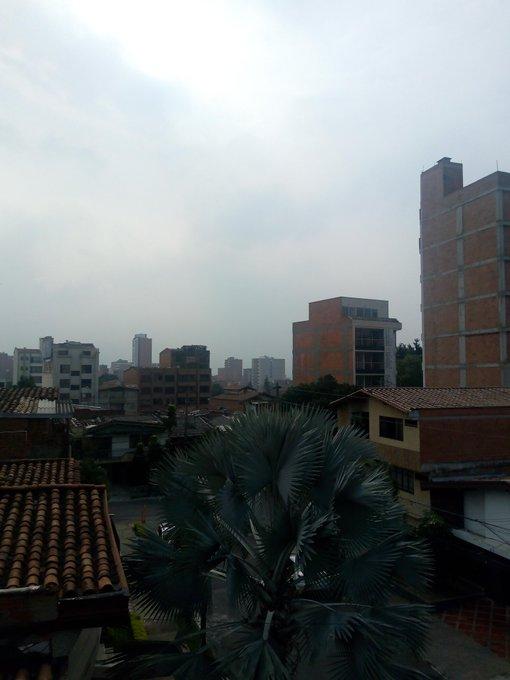 D1yYXNzXgAAVRaF?format=jpg&name=small - Tres días de crítica situación en calidad del aire del Aburrá, Medellín.