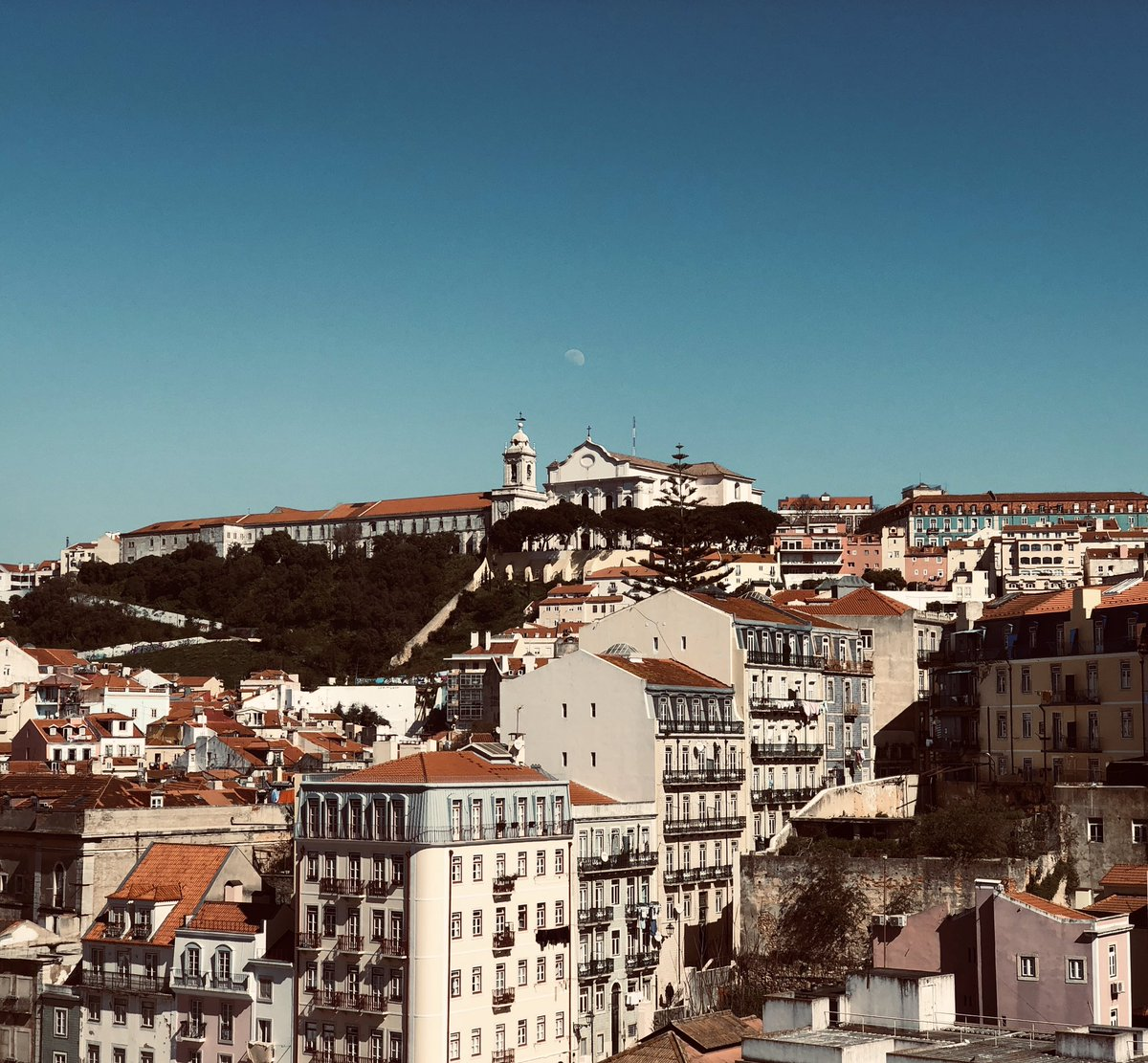 Just landed in #Lisbon for an ambitious and exciting project: I'll be starting EURONEWS' ten week road trip to listen to the voices of the people of Europe ahead of #EU elections in May. What do Europeans want and need? Coming soon @euronews #AllViews #AllVoices #AllWelcome
