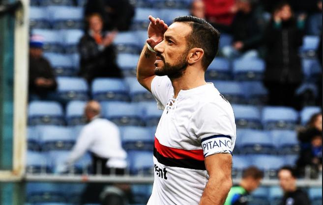La primera mitad de Fabio Quagliarella es extraordinaria, es un ejemplo de inteligencia en área, no es tan fácil encontrar a un '9' con una fijación hacia portería tan alta que tenga también las cualidades de habilitar, su gol es magnífico, pero las dos asistencias dadas, más.