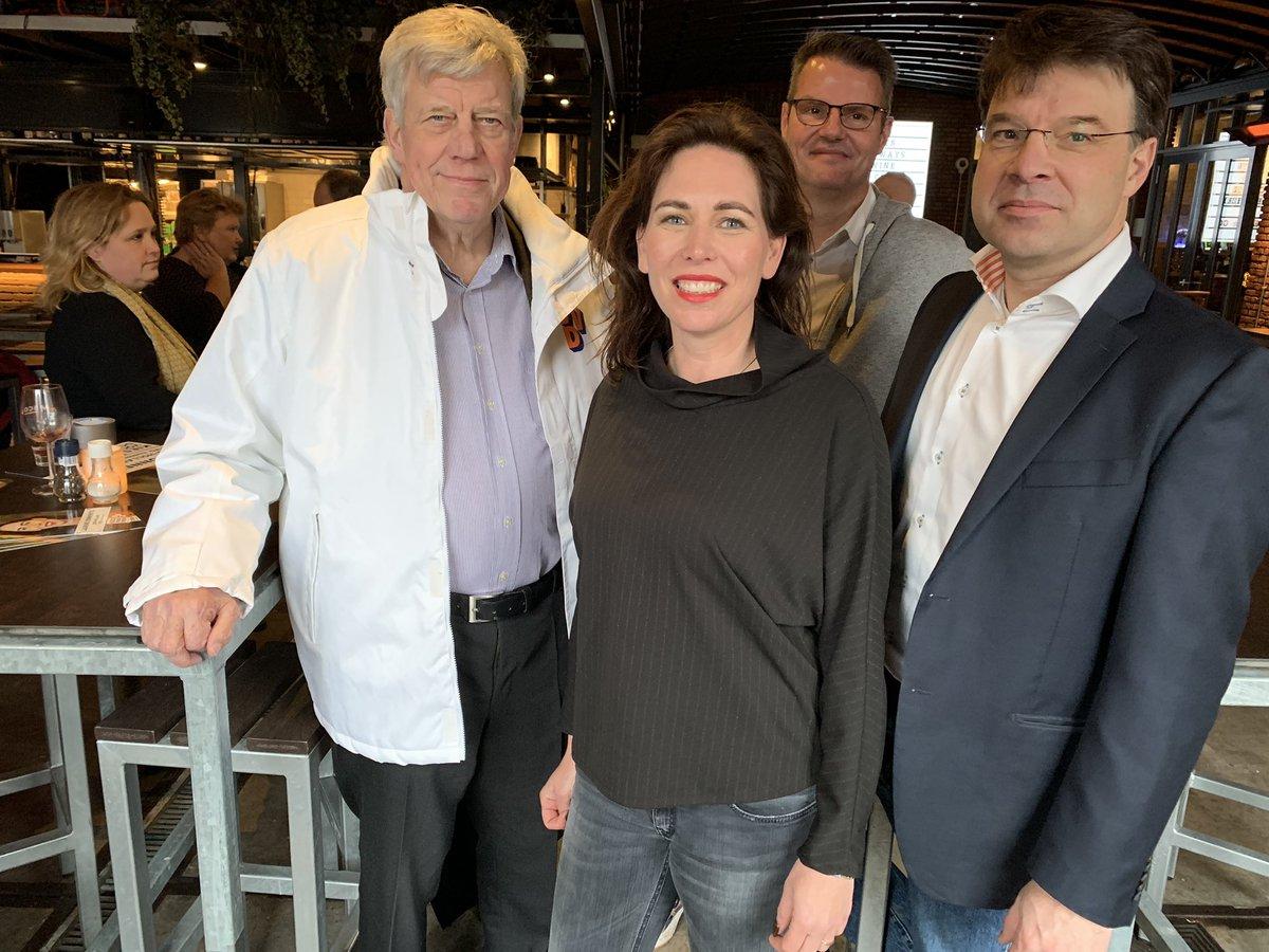 Een krachtigere endorsement kan @Laurinebon zich niet wensen. Ivo Opstelten en @RoaldLinde raden u @vvdzuidholland nr. 6 van harte aan! #Doen #VVD #Lansingerland #Leuk #Enthousiast #Gaaf – at Muller & Co