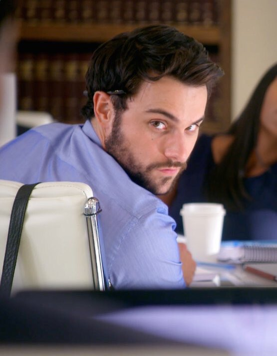 how would you react to Connor Walsh checking you out?  #HTGAWM  @RestingPlatypus<br>http://pic.twitter.com/Fmrw4YHAdJ