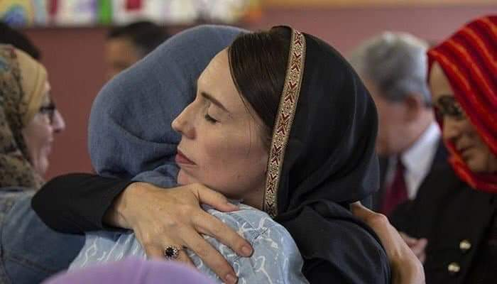 The Prime Minister of New Zealand Jacintha Arden clad in hijab visits the Christchurch Mosque. Leadership in reaching out to people and sending a powerful message rejecting the vile extremism which prevails in our world.
