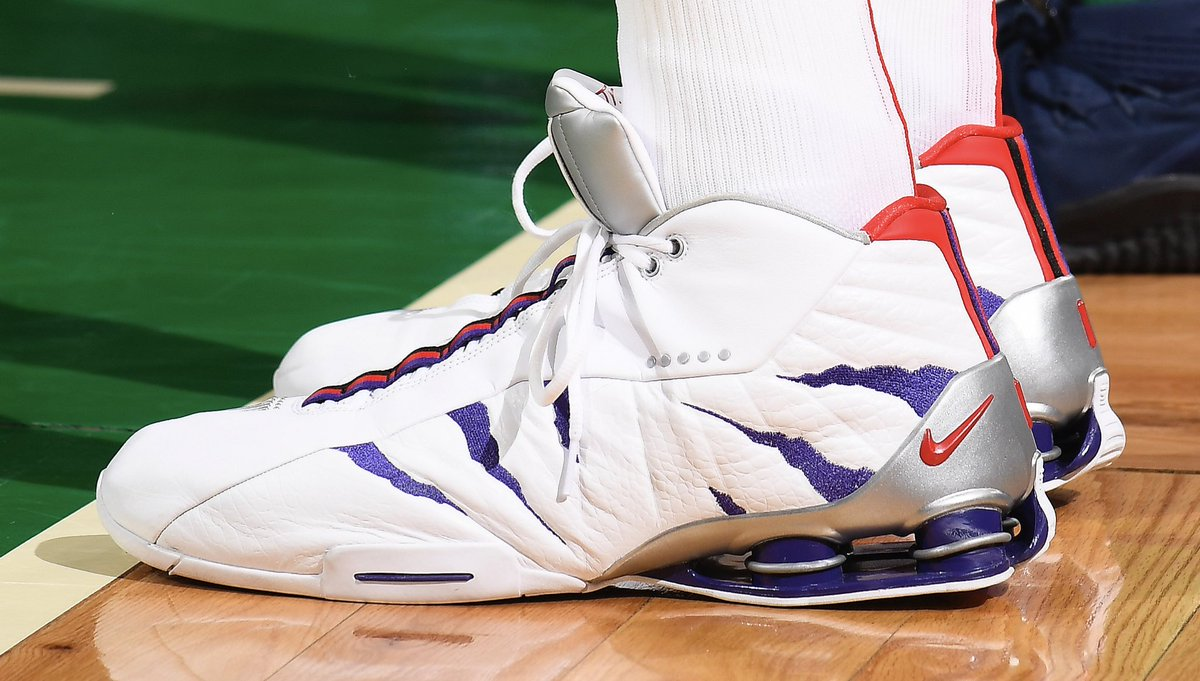 premium selection 212a0 d2062 mrvincecarter15 back in his raptors home nike shox bb4 pe babsphoto