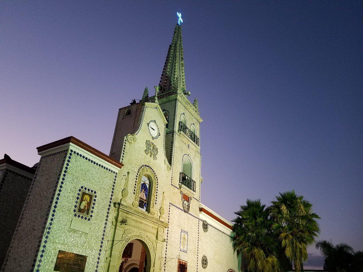 ¿Sabes a qué lugar de Jalisco pertenece esta iglesia? 🧐🤔Al bello Guachinango. ¿Qué otros lugares conoces de  este municipio?