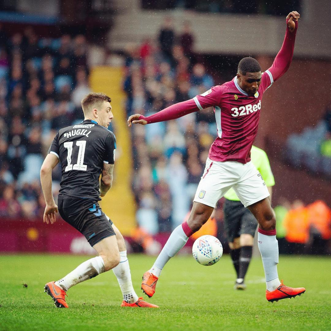 4 games, 3 clean sheets, 12 points going into the international break. It's only right I shake a leg tonight. Fans were unbelievable again. Enjoy your weekend 😂🕺🏾🕺🏾🕺🏾 #partofthepride #powerhause