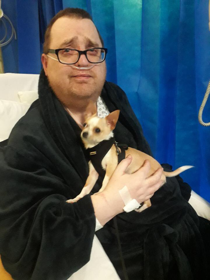 PretendyDaddys friend sneaked a pup onto coronary critical care unit!! <br>http://pic.twitter.com/Mo1f7LF5El