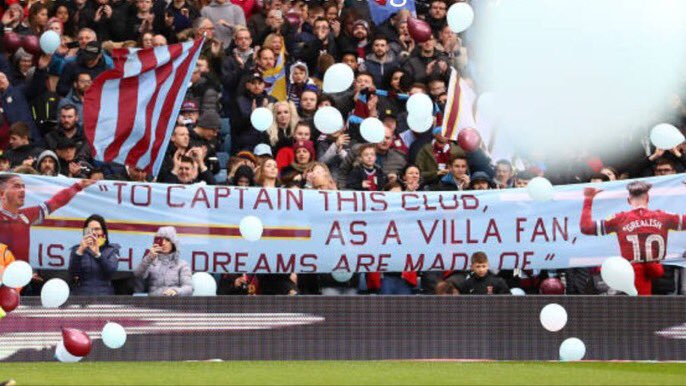 How the two Birmingham clubs celebrate their heroes #avfc #bcfc <br>http://pic.twitter.com/HRATVXMxf2
