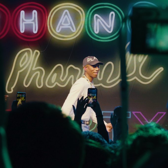 RT CHANEL: Highlights of an exclusive concert by Pharrell Williams that followed the launch of the #CHANELPharrell collection in Seoul with guests Jennie Kim, Soo Joo Park, Irene Kim. #CHANELinSeoul More on http://chanel.com/-T-RTW_Pharrell