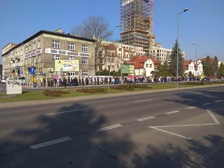 Українці в Празі, Берліні, Таллінні, Мюнхені та Дюссельдорфі вишикувалися у великі черги, щоб проголосувати - Цензор.НЕТ 4345