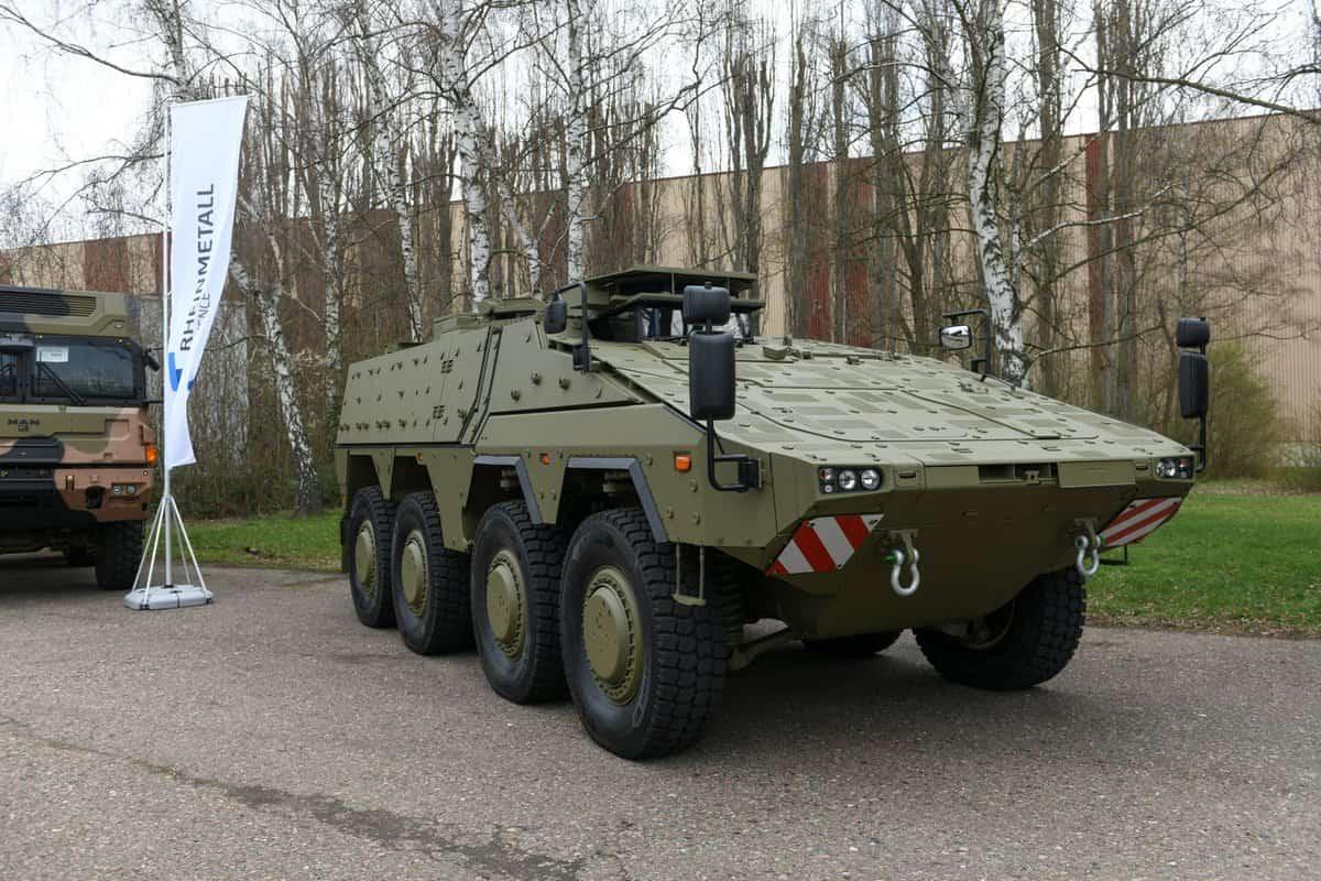 شركة راينميتال Rheinmetall ستقوم بتزويد قوات الدفاع الأسترالية بأكثر من 200 Boxer 8×8 المدرعة D200T9eWwAAF4L2