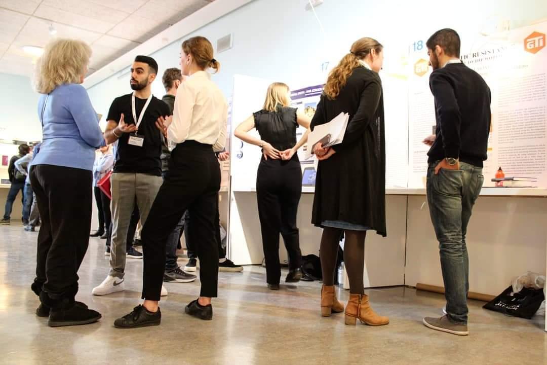 sports shoes b201a 4771b Igår var det jurybedömning som stod på schemat. Deltagarna fick presentera  sina projekt för en jury bestående av forskare och experter inom projektets  ...
