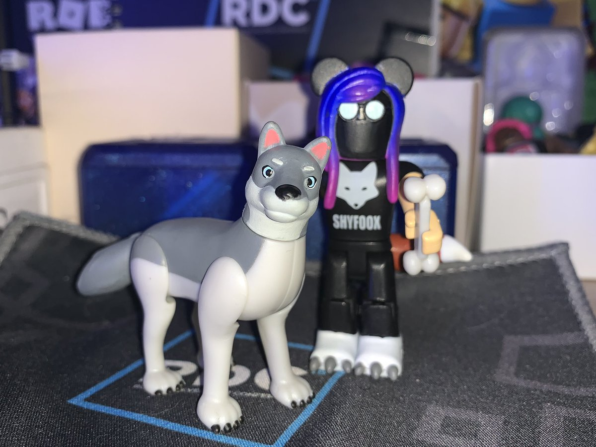 Roblox Wolves Life Shyfoox On Twitter A Little Late Tweeting This But Wolves Life 3 Pup Is A Toy It Is A Part Of Mystery Figures Series 3 It Is Adorable Https T Co Ebsnmww6ml