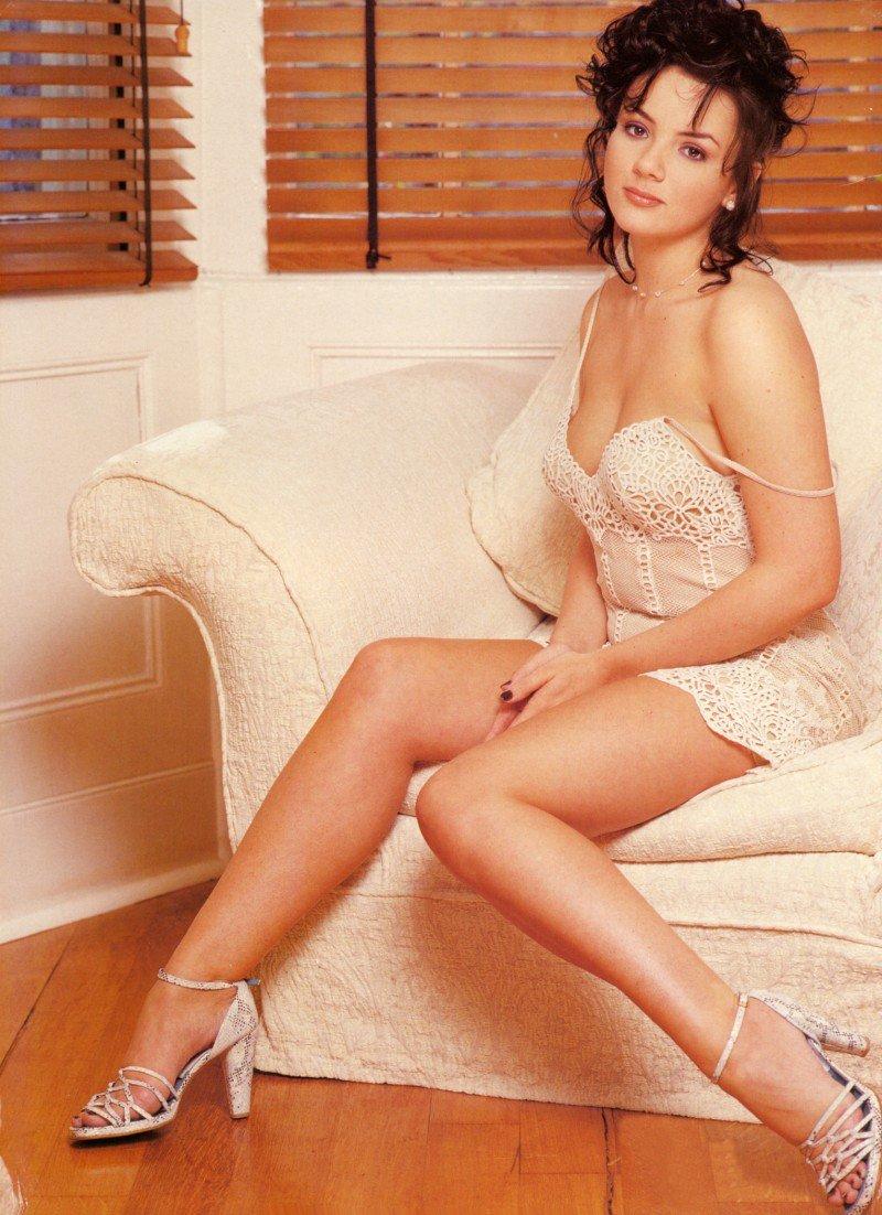 Jennifer tilly hot girls boobs