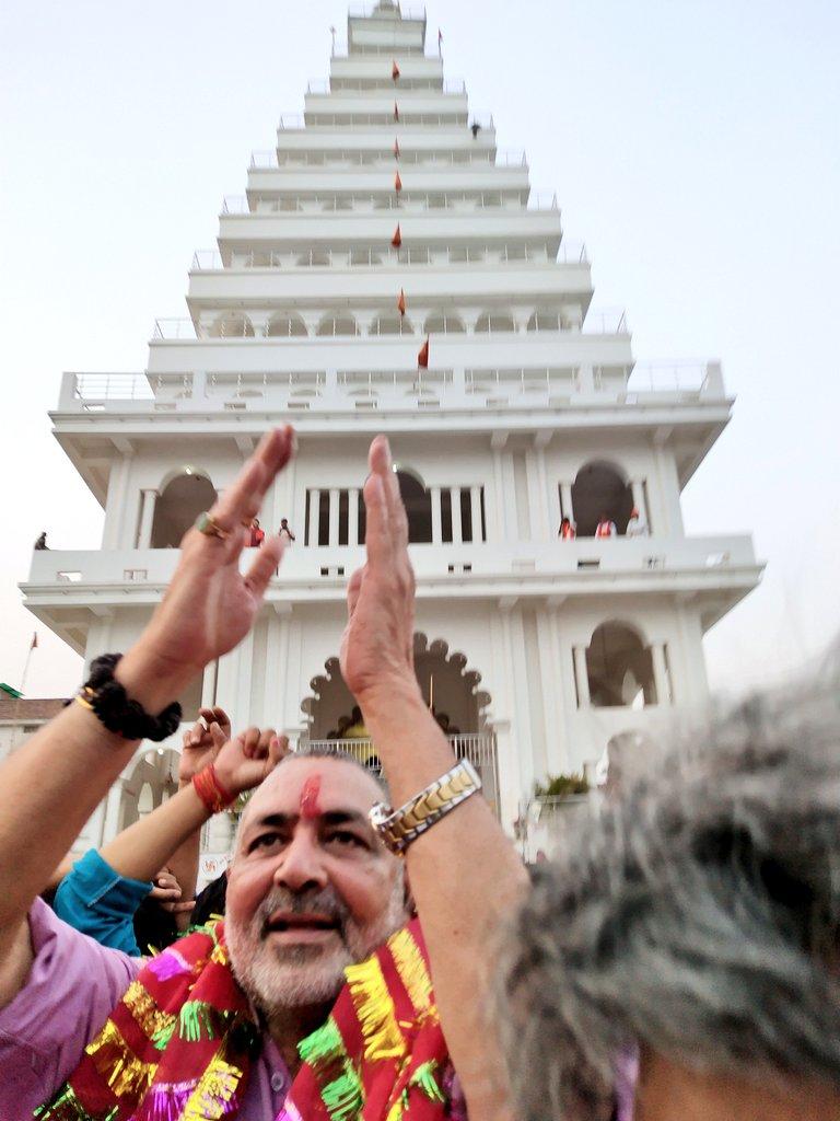 दिनकर की धरती से जय भवानी ।बीहट के दुर्गा मंदिर से जय भवानी ।