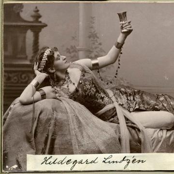 CFP: Women's Spaces, Pleasure, and Desire in the BelleÉpoque edwardianculture.com/2019/03/29/cfp…