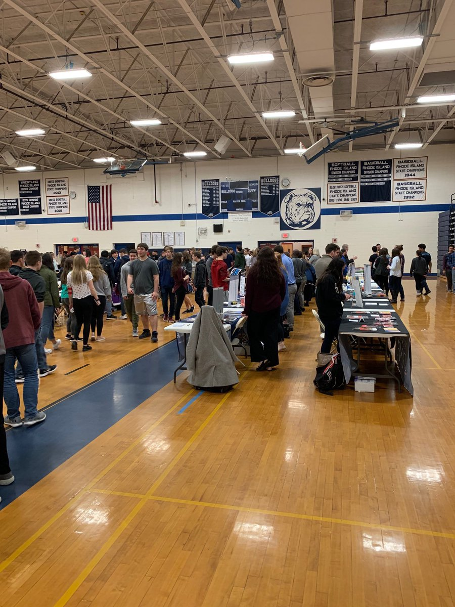 Thanks @WHSRIGuidance and all the colleges and reps for hosting and participating in WHS's 5th Annual College Fair this AM! #GreattobeaBulldog @WesterlySuper @StoreyAlicia @WHS_Bulldog @WMSRIPrincipal @mayday5201 @WPSBulldogs https://t.co/hjuywj62vz