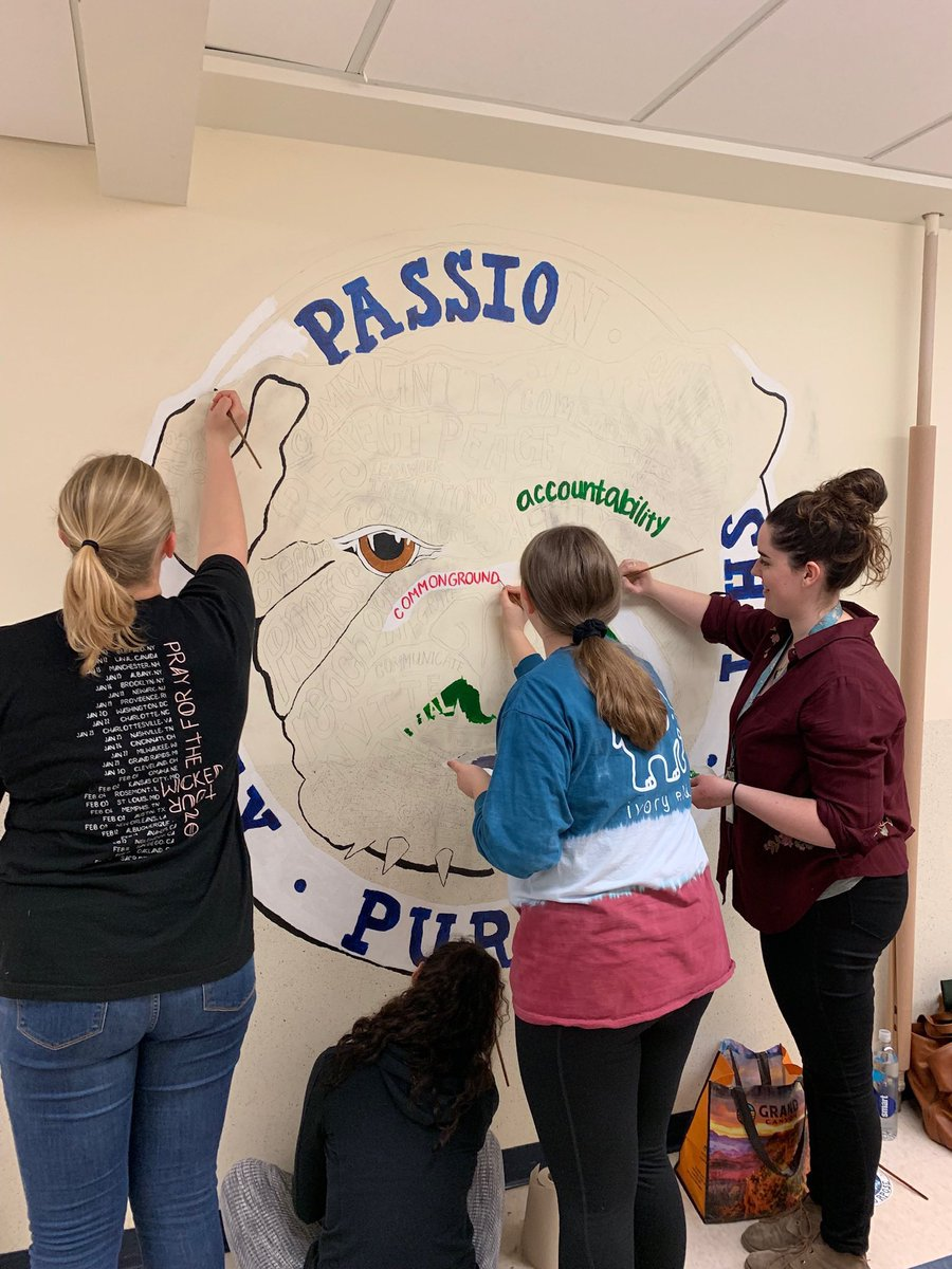 Play.Passion.Purpose. WHS Art students choosing to include and beautify our building! #GreattobeaBulldog  @WesterlySuper @StoreyAlicia @WHS_Bulldog @WMSRIPrincipal @mayday5201 @Ms_Herlihy https://t.co/hnQkuaq5tw