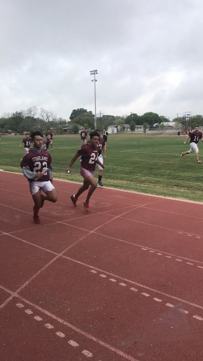 Owlstanding morning competing. @highlands_owls Came down to the 5th event & photo finish in the relay. If you think it can't be FUN and INTENSE your mistaken. #hastobeawinner #wecompete #itswhyweplaythegame #win @CoachLLeong<br>http://pic.twitter.com/rbD1qw2HMI