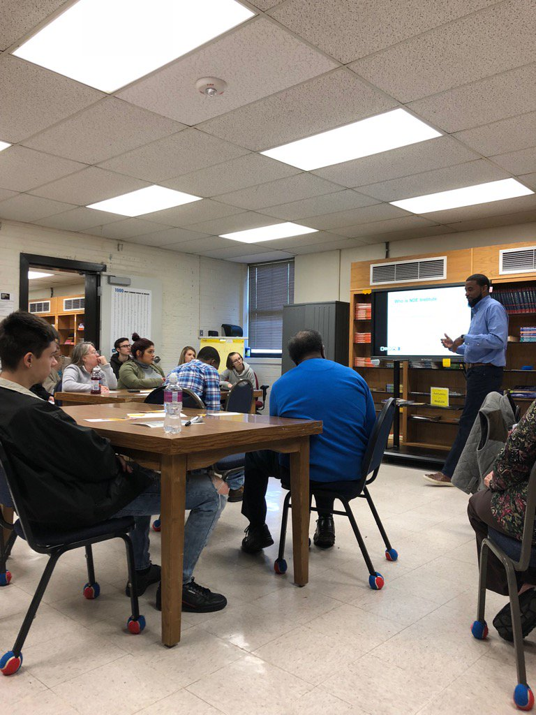 RHAE students learning about Careers with NDE Industry in Rock Hill. Thnx Jarrus Mitchell, CEO. #STEAMjobs pic.twitter.com/EppCDkQsMQ