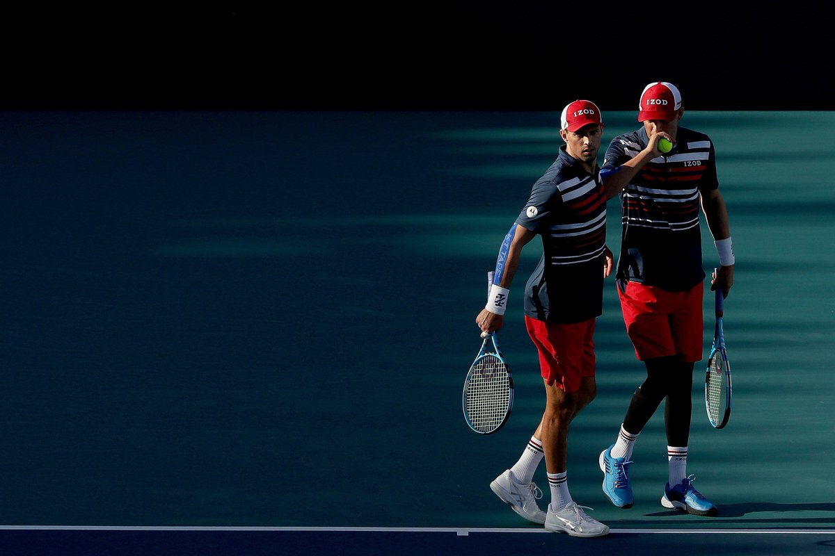 Back like they never left. See ya in the final, Bryans. @Bryanbros @Bryanbrothers | #miamiopen