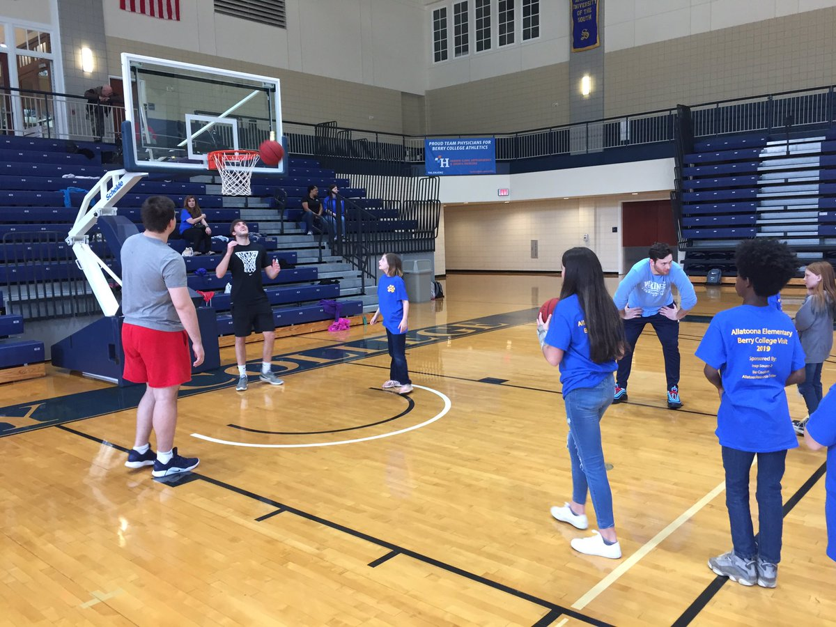 b23753efbfb Great end to the week spending some time with elementary school students  from Bartow County. We love having new visitors in the Cage and teaching  them a ...