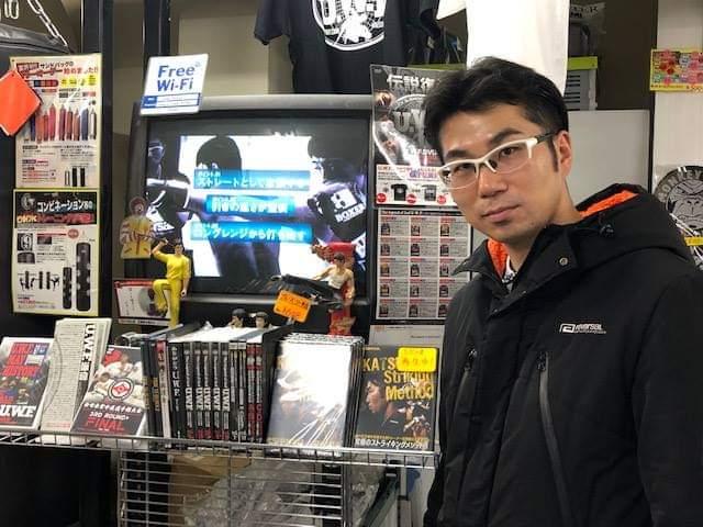 東京イサミ @tokyoisami1 店頭でも僕のDVDお取り扱い頂いてます! 宜しくお願い申し上げます! #東京イサミ #イサミ  #ISAMI
