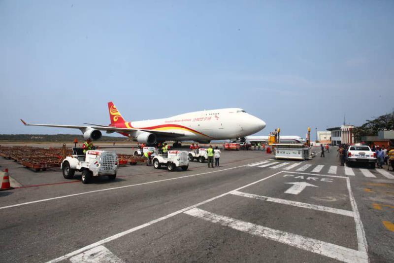 بعد العسكريين الروس...جنود صينيون يصلون إلى فنزويلا D23o_ucX0AEfivy