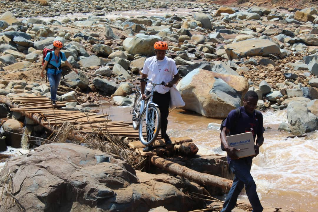 #MSF teams continue to reach communities & health centres in #Chimanimani which were cut off from access by #CycloneIdai. Some of them are only reachable on foot or by bike. What we are seeing is a lack of chronic medication, specifically for #NCDs like diabetes and hypertension