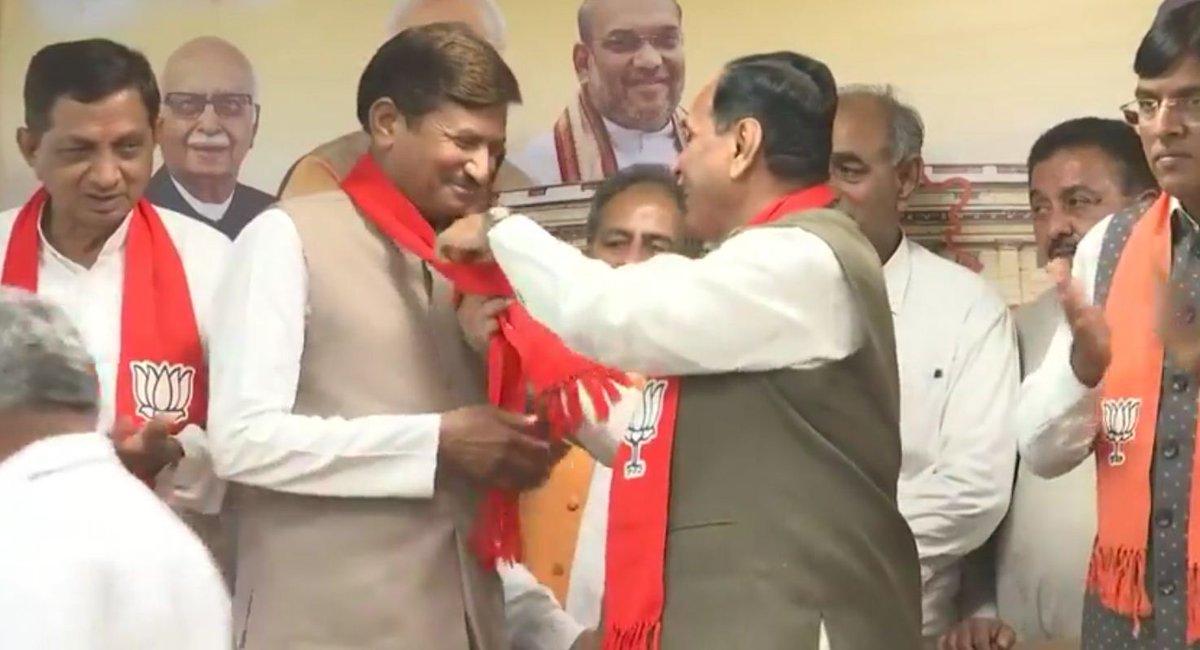 Former MLA Shamji Chauhan rejoins BJP, Lodhika taluka panchayat now BJP ruled