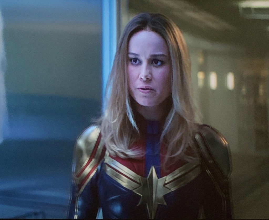 Captain Marvel News On Twitter New Avengersendgame Promo Image For Merch And There S Captainmarvel And Her New Costume For The Film Golden Shoulder Pads Https T Co Oejvnxfiu7 About 3% of these are tv & movie costumes, 0% are women's trousers & pants, and 0% are zentai / catsuit. golden shoulder pads