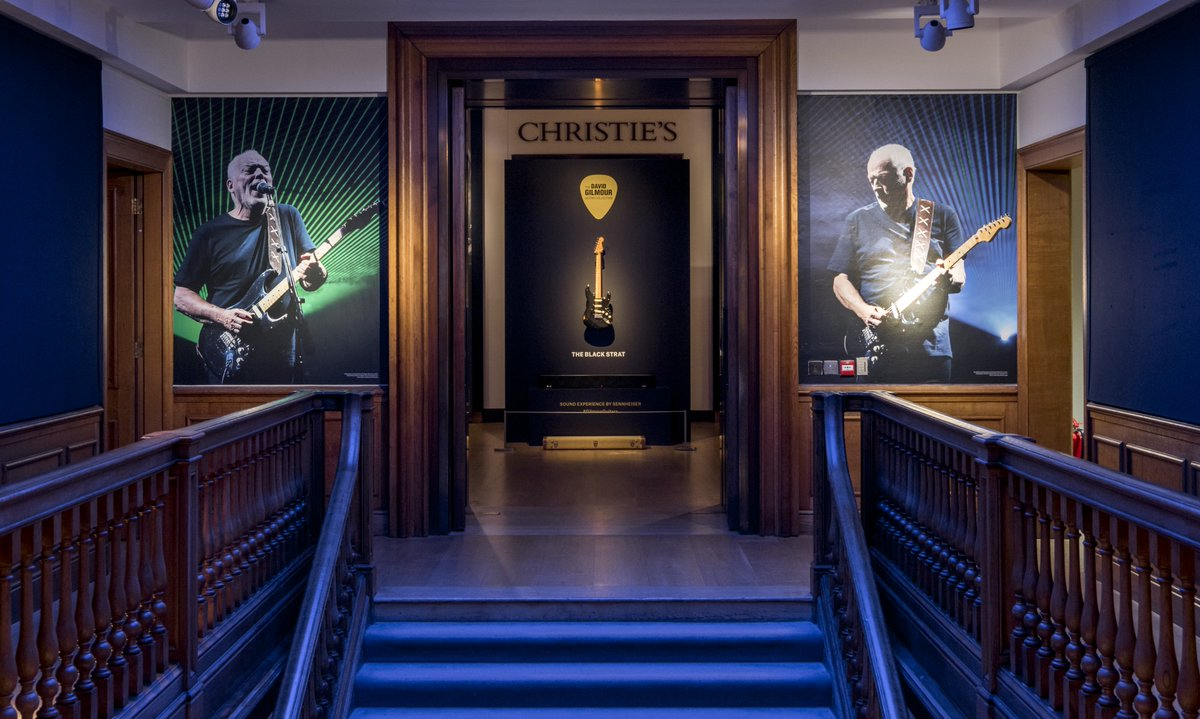 There are just two days left to enjoy the free #GilmourGuitars exhibition at @ChristiesInc in London. Very limited tickets still available at http://bit.ly/DGexhib